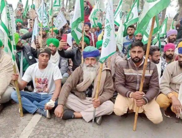किसान कई दिनों का राशन लेकर दिल्ली के तरफ निकले, बॉर्डर पर पुलिसबल तैनात