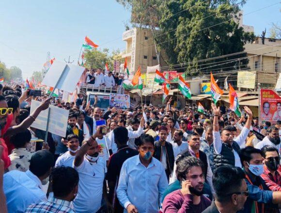 कृषि कानून के विरोध में कांग्रेस का प्रदर्शन, दिग्विजय सिंह समेत 20 नेता गिरफ्तार