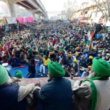 गांधीजी की पुण्यतिथि पर एक दिन का उपवास, गाजीपुर बॉर्डर पर किसानों का आना जारी