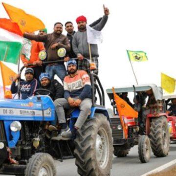 राकेश टिकैत ने किया 'ट्रैक्टर क्रांति' का एलान, बीते 24 घंटे में दो और किसानों की मौत