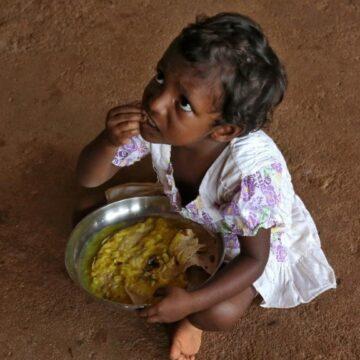 MSP की गारंटी देने वाली मोदी सरकार ने किया खाद्य सब्सिडी पर 45 फीसदी की भारी कटौती