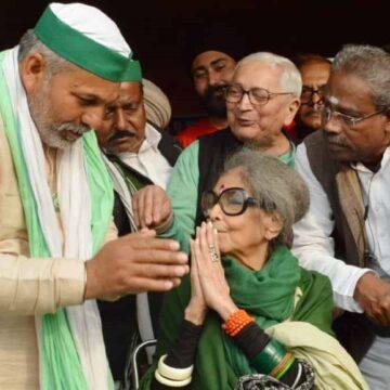 किसानों के समर्थन में 84 वर्षीय गांधी की पोती पहुंचीं गाजीपुर बॉर्डर, कही ये बात