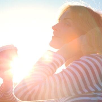 अगर आप धूप सेंकने के ये 13 हेल्थ बेनेफिट्स जान लें तो आपके होश उड़ जाएंगे