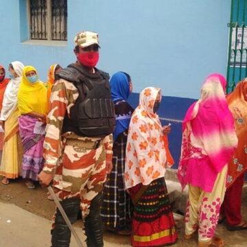 पश्चिम बंगाल में 10 बजे तक 16.04% वोटिंग, तीन जगहों पर बमबाजी