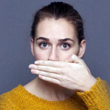 पांच वजहों से आती है सांसों से बदबू, जानें कारण और छुटकारा पाने के उपाए