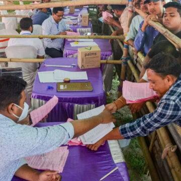 उत्तर प्रदेश पंचायत चुनाव ड्यूटी पर तैनात शिक्षकों में अब तक 577 की मौत: शिक्षक संघ