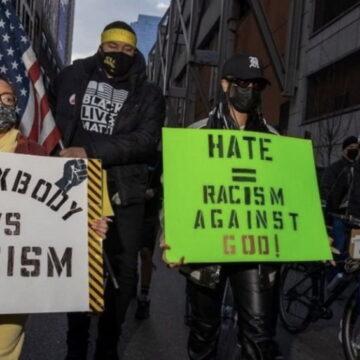 पॉपस्टार रिहाना फिर से सुर्खियों में, 'Stop Asian Hate' प्रोटेस्ट में आईं नजर