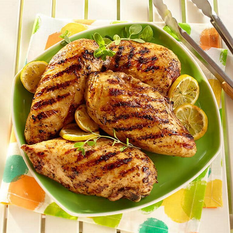 वीकेंड पर बनाएं लेमन पेपर चिकन, जानें लजीज डिश की आसान रेसिपी