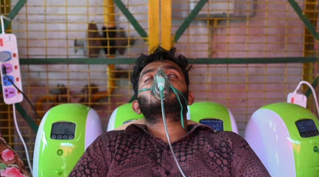 ऑक्सीजन पहुंचने में हुई 5 मिनट की देरी, 12 लोगों की थम गईं सांसें