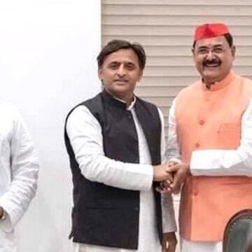 बंगाल में 'खेला होबे' की अपार सफलता के बाद अब उत्तर प्रदेश में जोरदार 'खदेड़ा होबे'