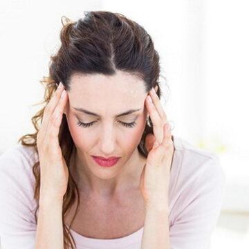 सिरदर्द होने का ये हैं असल कारण, दवाईयाँ लेने से अच्छा है अपनी आदत में करें बदलाव