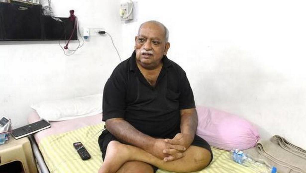 आधी रात मुनव्वर राना के घर पर पुलिस की छापेमारी, बगैर सर्च वारंट तलाशी का आरोप