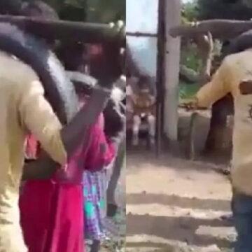 नाबालिगों पर लड़की भगाने का आरोप लगा पीटा और गले में टायर डाल पूरा गांव घुमाया
