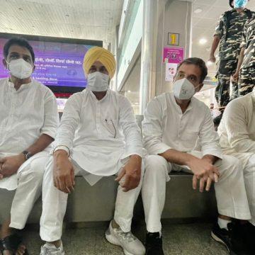 राहुल गांधी एयरपोर्ट से बाहर निकले, देर शाम पहुंचेंगे लखीमपुर खीरी